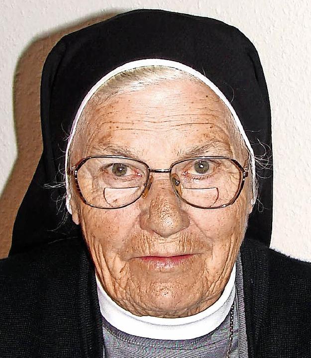 Schwester Adelholda, hier ein Archivbi...Wahlheimat Chile ihren 90. Geburtstag.    Foto: Christa Maier
