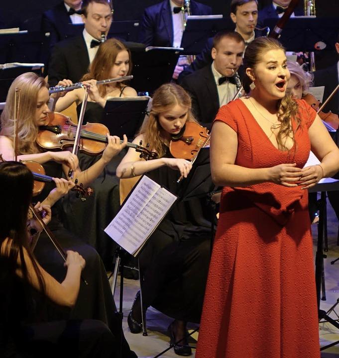 Die Junge Philharmonie der Ukraine Lem... eine beschwingte Neujahrsgala geben.     Foto: Roswitha Frey