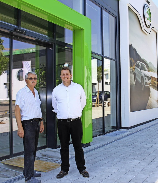 Erich Waser (links) und Georg Frohm fr...s Autohauses Waser am 29. September.    | Foto: Susann Klatt-D'Souza