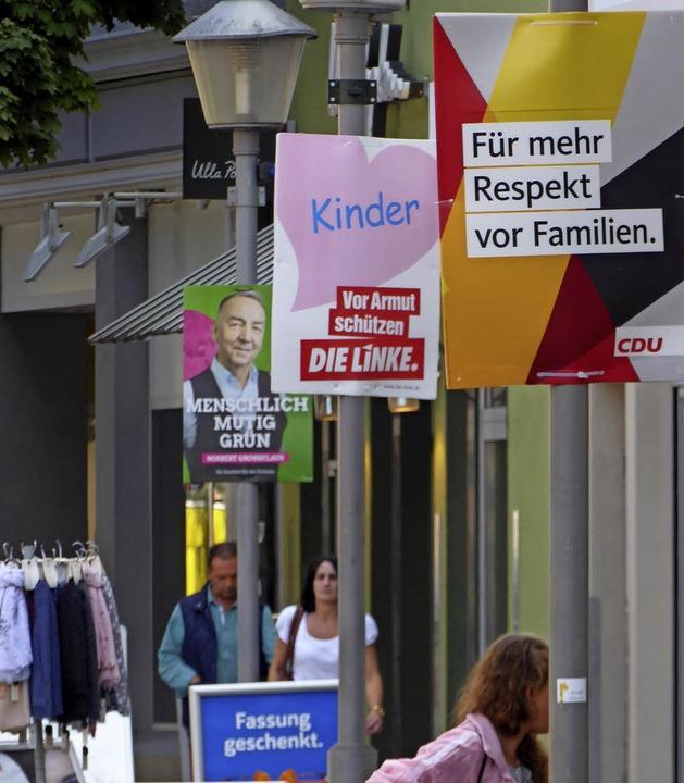 Unterschieden wird in Offenburg nur zw...lakaten (o.) und Großflächenplakaten.   | Foto: Seller
