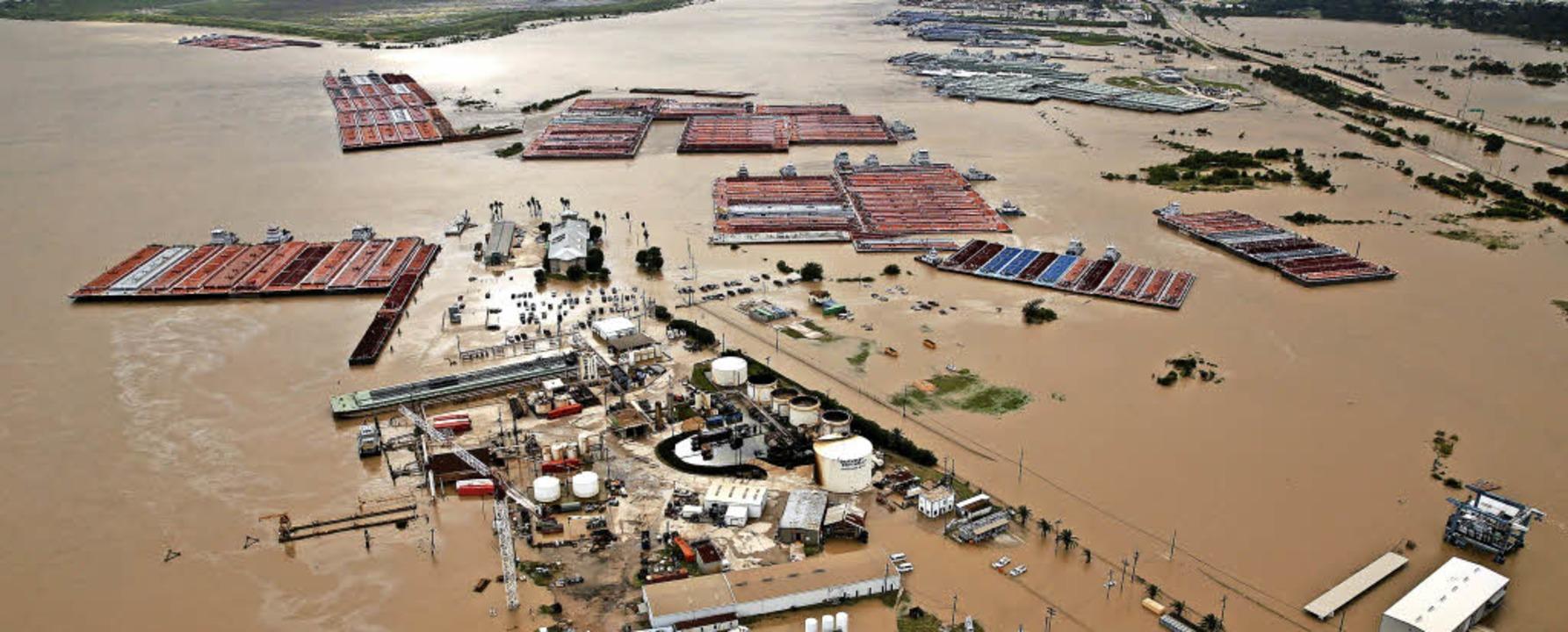Wasser ohne Ende auf der Burnet Bay bei Houston      Foto: Herrmann/DPA