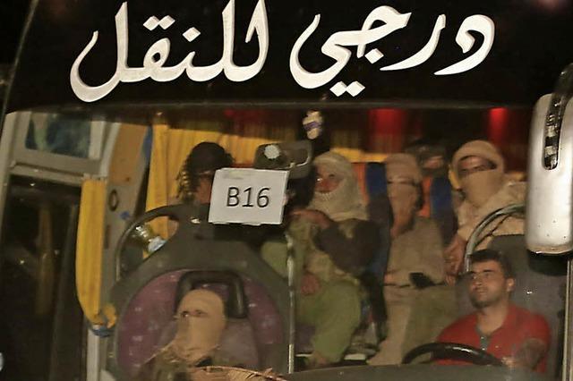 Bekamen 300 IS-Kämpfer freies Geleit?