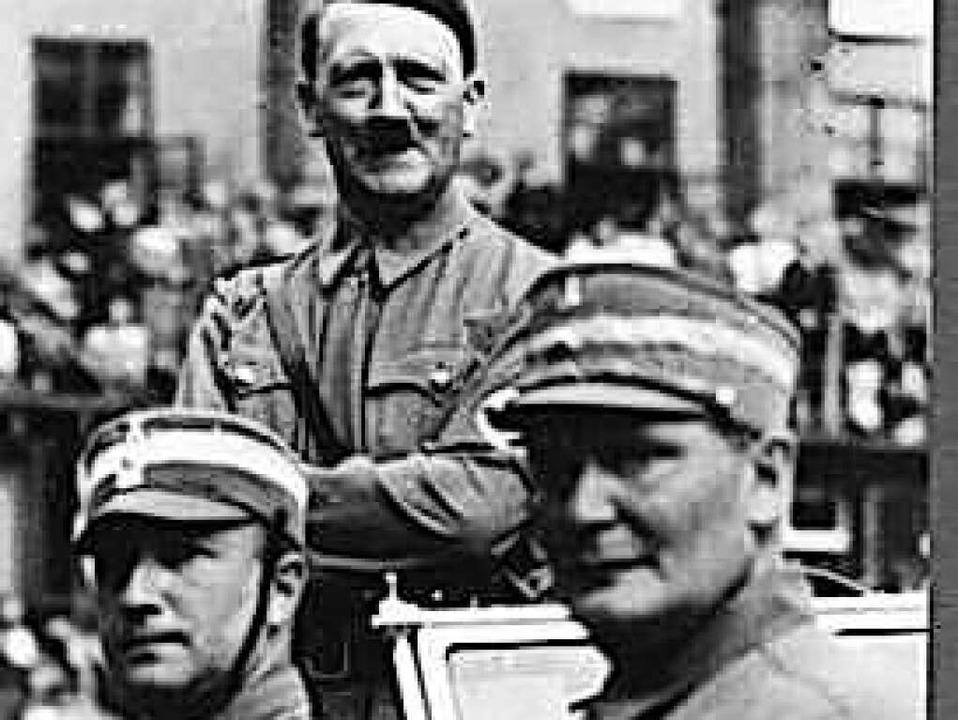 Hanns Ludin (links) mit Adolf Hitler und Hermann Göring (rechts)  | Foto: Alexandra Senfft/Gottfried Gilbert