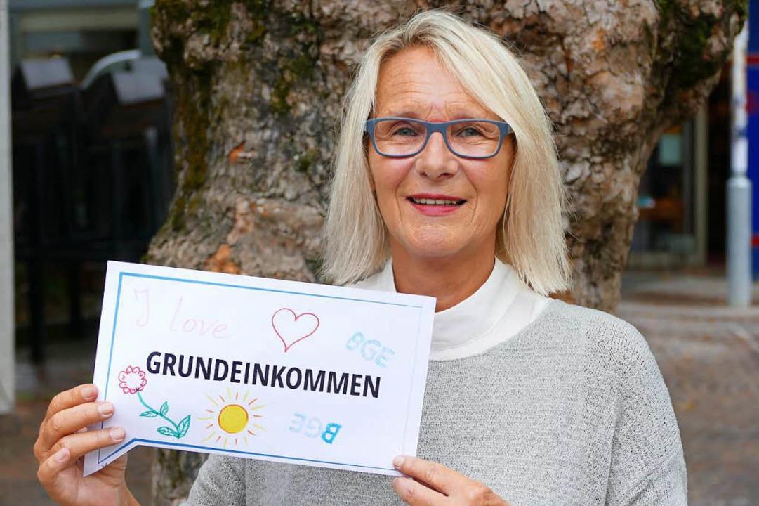 Uschi Bauer setzt sich für ein bedingungsloses Grundeinkommen ein.  | Foto: Sabine Ehrentreich