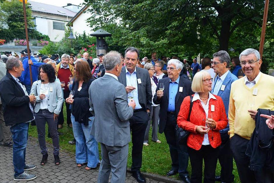 Vor der Eröffnung der Sonderausstellung im Dorfmuseum am Freitag (Foto: Nikola Vogt)