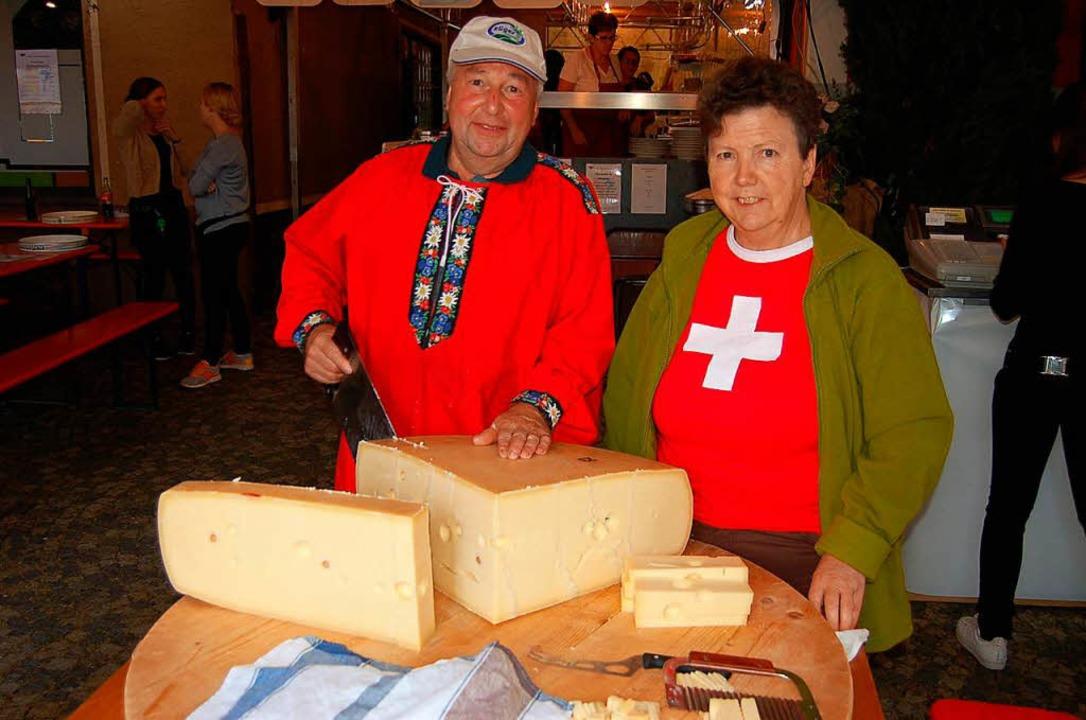Schweizer Käse darf nicht fehlen.    Foto: Christian Ringwald