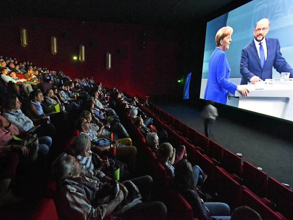 wie war s beim public viewing des tv duells im cinemaxx freiburg badische zeitung. Black Bedroom Furniture Sets. Home Design Ideas