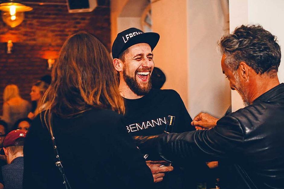 """Am Freitag feierte die Bar """"Lebemann"""" in der Habsburgerstraße Eröffnung. Es gab Cocktails und Wurstsalat. (Foto: FABIO TESTA)"""