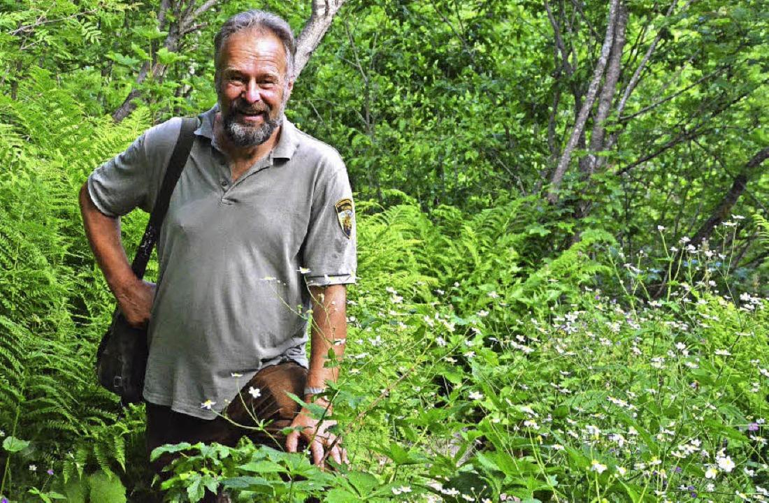 Feldberg-Ranger Achim Laber im Feldsee...s ein Dreizehenspecht, der dort lebt.     Foto: Wehrle/Privat