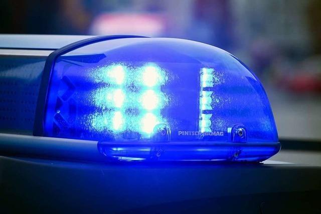Rücksichtsloser Autofahrer verursacht Unfall und Stau auf der A5 bei Appenweier