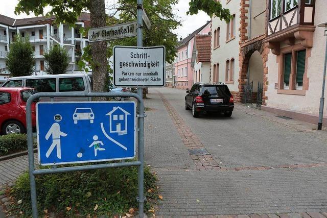 Kinderspiele auf der Fahrbahn sollen Autos bremsen