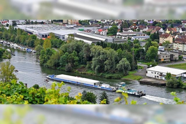 Umstrittener Atommüll-Transport auf dem Neckar