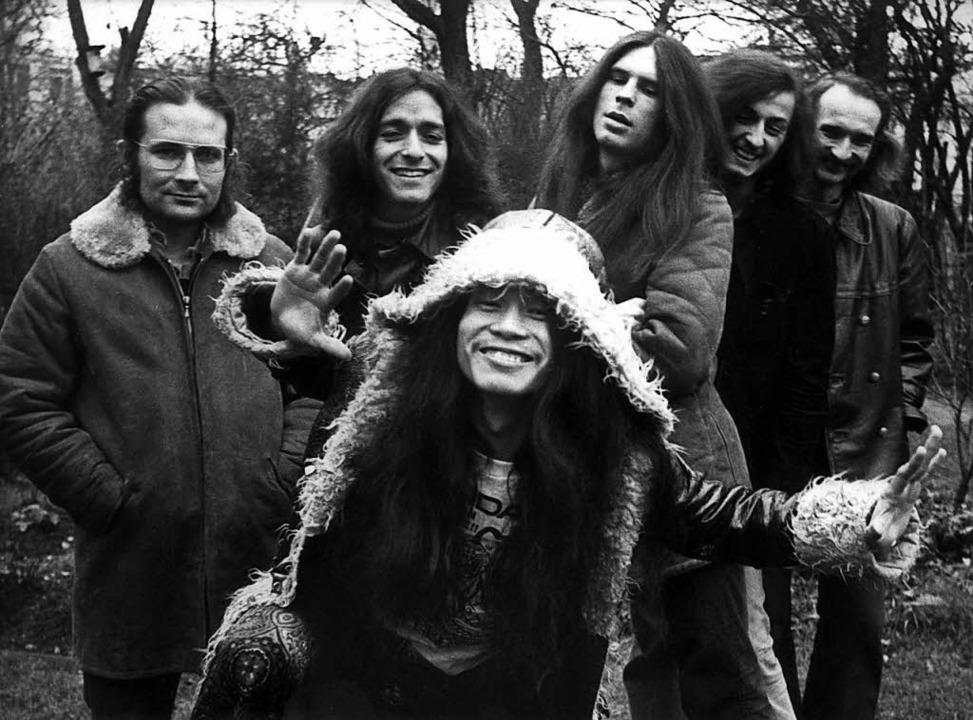 Die Band Can: Irmin Schmidt (von links...ger Czukay und vorne Damo Suzuki 1971.  | Foto: dpa