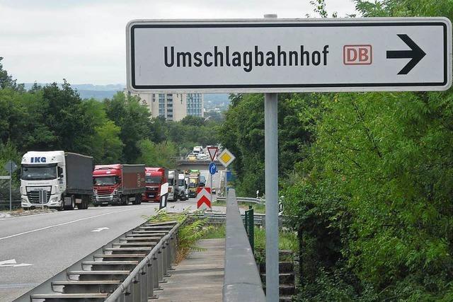Warten geht weiter – Autobahnausfahrt bei Weil wieder verstopft