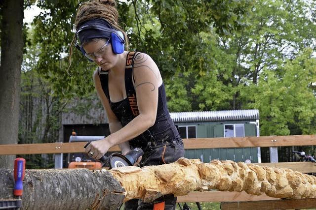 Bildhauer stellen ihre Abschlusswerke aus