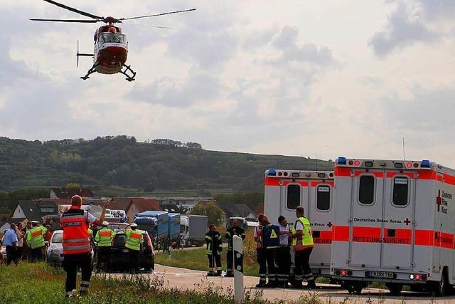 Drei Personen bei Unfall auf der L 113 nördlich von Endingen schwer verletzt