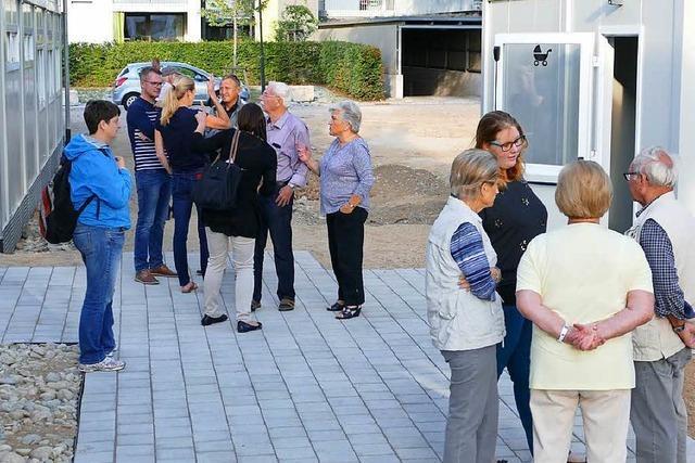 Weiler machen sich ein Bild von der neuen Flüchtlingsunterkunft