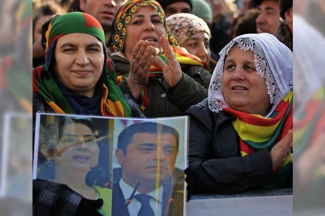 Die türkische Justiz legt Kurden-Partei HDP lahm