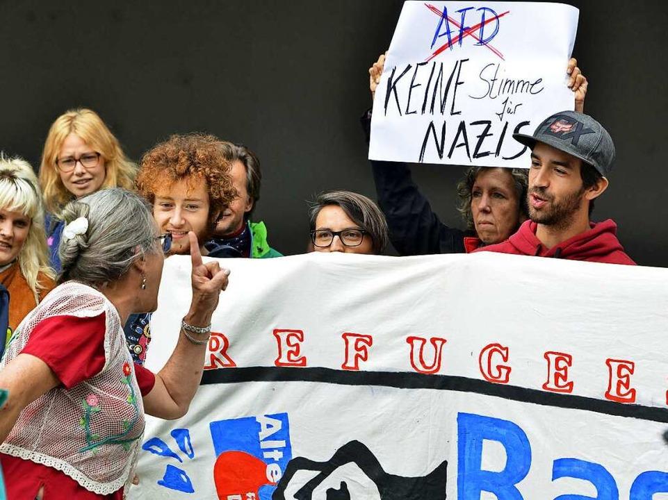 Verbale Auseinandersetzung am Rande des Talks mit Alice Weidel.  | Foto: Michael Bamberger