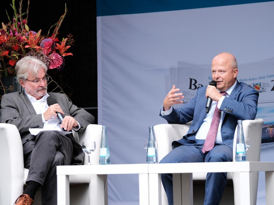 Michael Theurer im Gespräch mit BZ-Herausgeber Thomas Hauser  | Foto: Miroslav Dakov