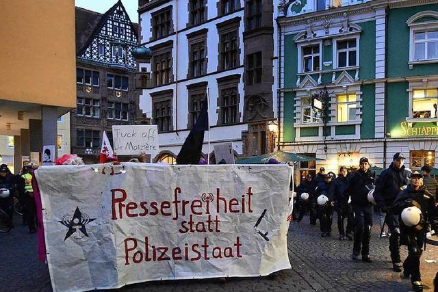 Demonstration gegen das Verbot des Internetportals