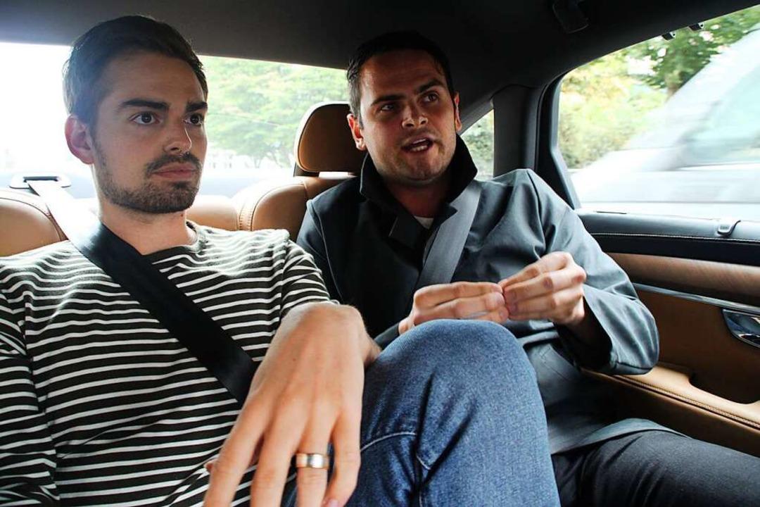 Jonathan Löffelbein mit Adrian Hurrle (FDP) (von links)  | Foto: Moritz Lehmann
