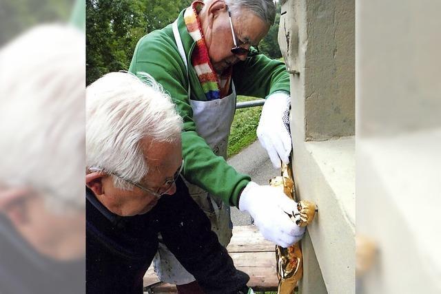 Zwei Rentner restaurieren