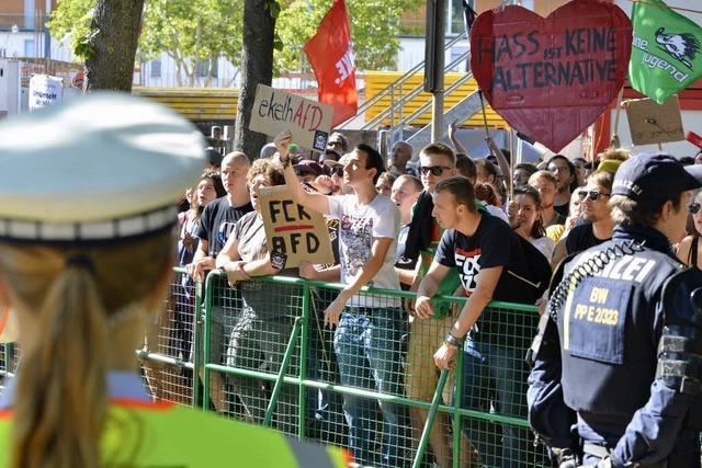 In Zähringen haben rund 900 Leute gegen die AfD demonstriert