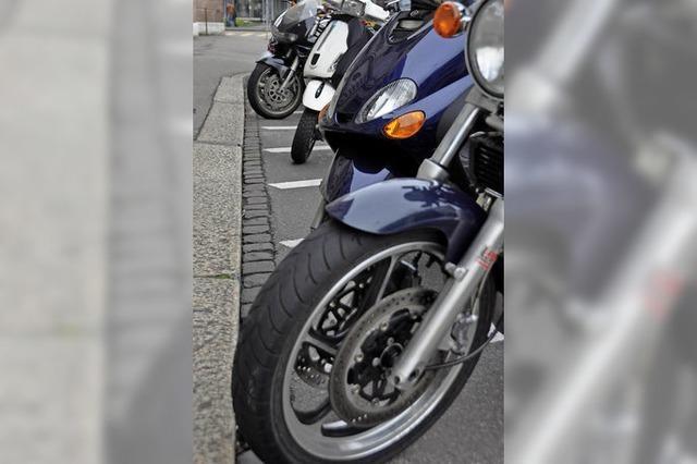 Kantonsparlament befasst sich mit kostenpflichtigen Motorradparkplätzen