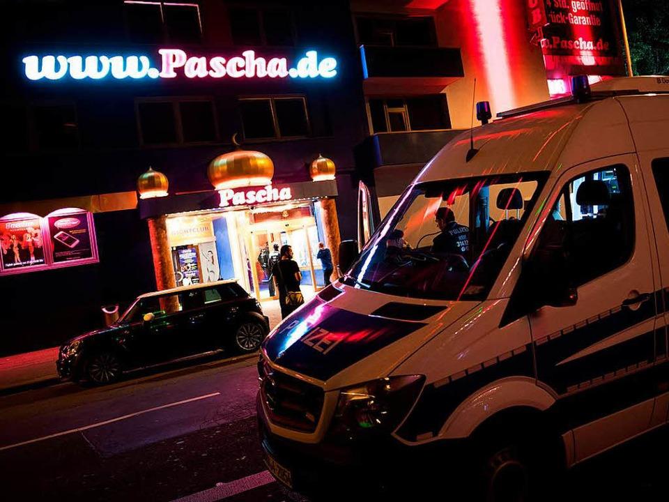 "Razzia im Kölner Bordell ""Pascha"" am 5. September 2017 (Symbolbild)  | Foto: dpa"
