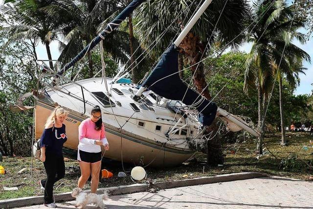 Nach Hurrikan Irma gehen die Retter von Tür zu Tür