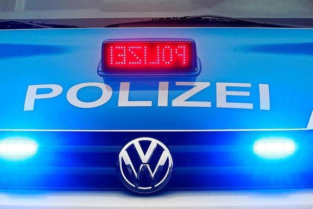 Auto kollidiert mit Fahrrad – Polizei sucht Zeugen