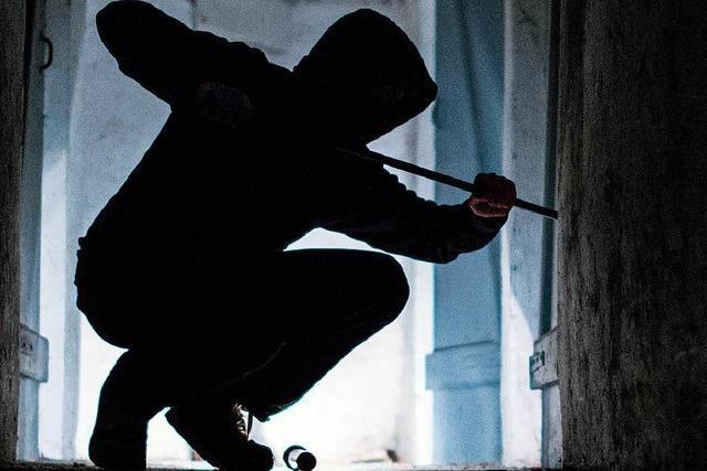 Einbrecher scheitert in Dogern an mehreren Türen