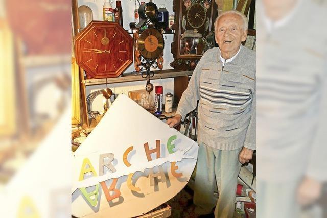 Arche-Schild kehrt heim zu seinem Hersteller