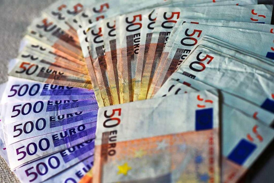 Der Kreis Lörrach hat Sozialkosten wie...uft. Kann das so bleiben (Symbolbild)?  | Foto: dpa