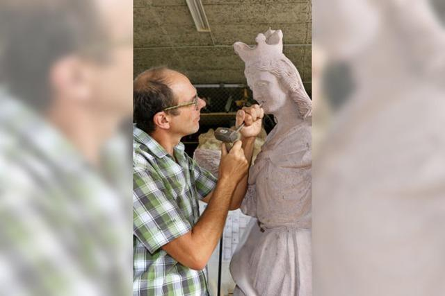 Endinger Steinmetzbetrieb Gutmann fertigt Skulptur für Rastatt