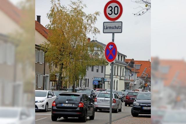 Hohes Verkehrsaufkommen verhindert tagsüber zu schnelles Fahren