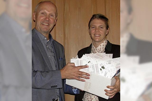 Windkraftstreit geht weiter - Unterschriften übergeben