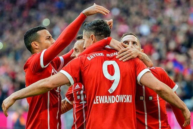 FC Bayern feiert dritten Saisonsieg – Stuttgart gewinnt gegen Wolfsburg
