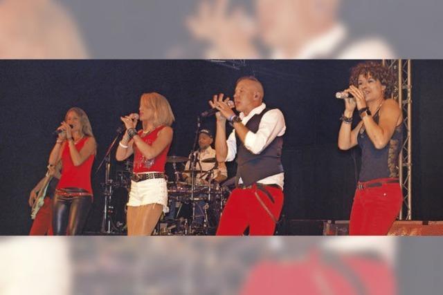 Die Gruppe Lost Eden rockt das Inzlinger Waiefest