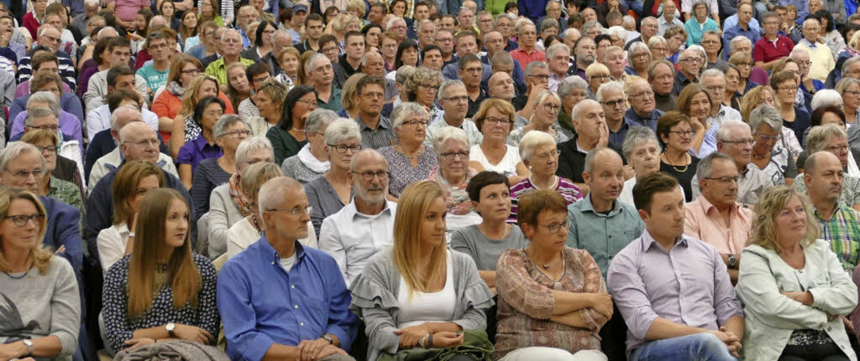 Viele Bürger nutzten die Gelegenheit, ...ürgermeisterkandidaten zu informieren.    Foto: Lena Marie Jörger