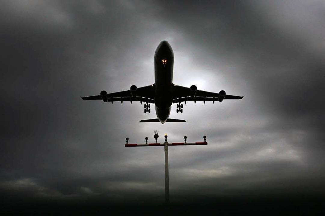 Aufregung am Euro Airport Basel-Mulhouse (Symbolbild)  | Foto: dpa
