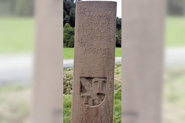 Tennenbach: Alte Stele in neuem Glanz