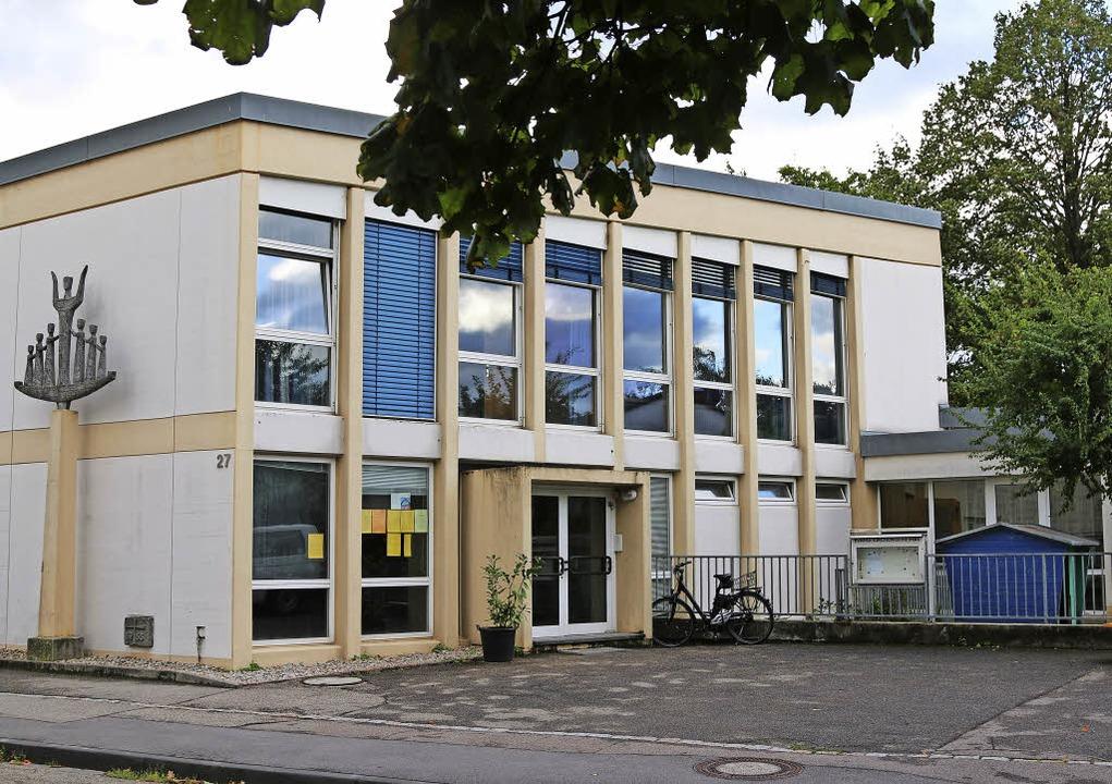 Haagens evangelisches Gemeindehaus wir...l sich nicht aus dem Ort zurückziehen.    Foto: Bartsch