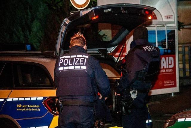 Bluttat mit drei Toten - 40-Jähriger auf der Flucht