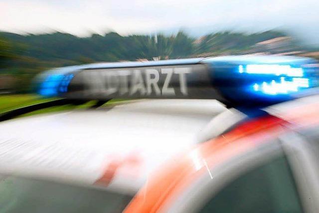 Paketauslieferer in Bad Säckingen fährt Fußgänger an