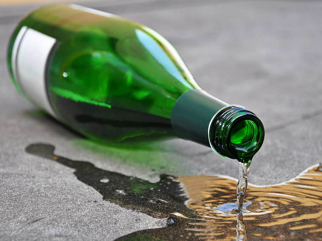 Er dachte, er trinkt Wein - Mann stirbt nach Konsum von Schwefelsäure