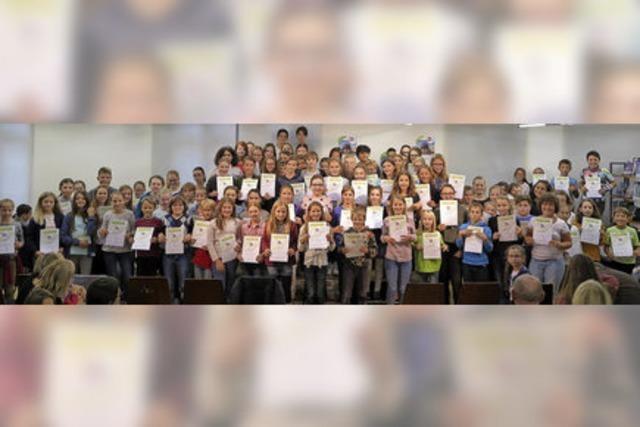 Mehr als 100 feiern Abschluss des Lesesommers