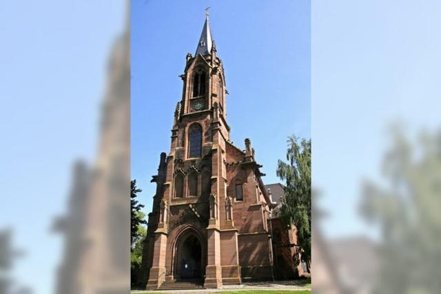 Kirchenjubiläum wird mit Festreigen gefeiert