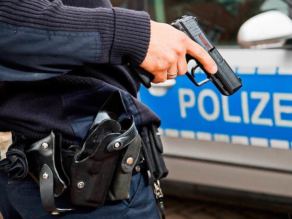 Durch eine Polizeipistole starb ein Ma...aatsanwaltschaft ermittelt nicht mehr.  | Foto: Symbolfoto: Stratenschulte